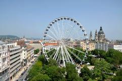 Konstruktion av ferrishjulet i stadens centrum Budapest, Ungern Arkivfoton