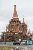 Konstruktion av helgonen för kyrka allra på den Filevskaya floodplainen moscow Fotografering för Bildbyråer