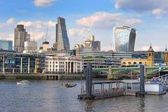 Konstruktion av moderna London Arkivfoto