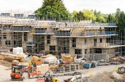 Konstruktion av nytt hus i England Arkivbilder