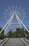 Konstruktion av pariserhjulen 65 meter i Rostov-On-Don Royaltyfri Foto