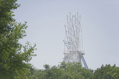 Konstruktion av pariserhjulen 65 meter i Rostov-On-Don Royaltyfri Bild