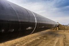 Konstruktion av rörledningen för gasledningtrans. Adriatiska havet - KNACKA LÄTT PÅ i inget fotografering för bildbyråer