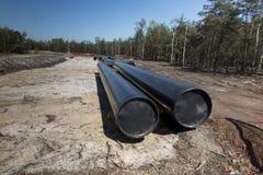 Konstruktion av r?rledningen av sm?lt naturgas fr?n LNGterminalen p? Swinoujscie i Polen royaltyfri fotografi