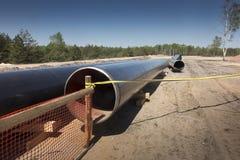 Konstruktion av r?rledningen av sm?lt naturgas fr?n LNGterminalen p? Swinoujscie i Polen arkivfoton