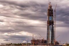 Konstruktion av skyskrapan i St Petersburg, Ryssland Royaltyfri Bild