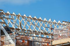 Konstruktion av taket på bostads- egenskap Arkivfoton