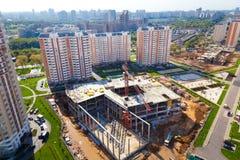 Konstruktion i ett nytt bostadsområde Arkivfoto