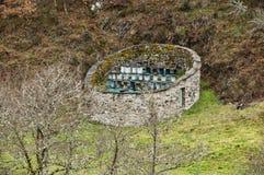Traditionella apiaries i Northwest Spanien Arkivfoton