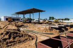 Konstruktionen av bensinstationerna Royaltyfria Foton