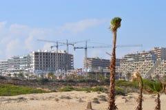 Konstruktionsbokslut in på stranden Arkivbild