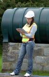 konstruktionskvinnligarbetare Royaltyfri Foto