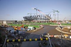 konstruktionslondon olympic stadion under Royaltyfri Foto