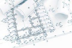 Konstruktionsplan, rullar av teknikritningar architectura Fotografering för Bildbyråer