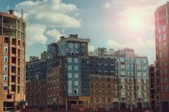 Konstruktionsplats av den bostads- fjärdedelen Arkivfoto