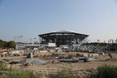 Konstruktionsplats för framtida ny åskådarläktarestadion på den nationella tennismitten i New York Arkivbild
