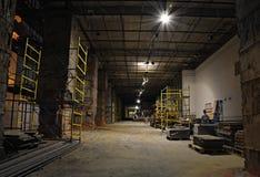 Konstruktionsplats Inre-på natt Arkivfoto