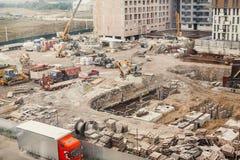 Konstruktionsplats, konstruktionsmaskineri, bulldozer, utgrävning Royaltyfri Foto