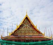 Konstruktionsplats, kyrka av den forntida templet i Bangkok royaltyfri foto