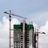 Konstruktionsplats med kranen Royaltyfri Fotografi