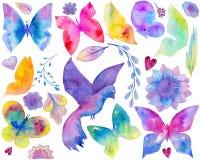 Konstsamling inklusive fjärilen, fågel, blom- prydnad, blommor, blad, hjärtor på den vita bakgrunden stock illustrationer