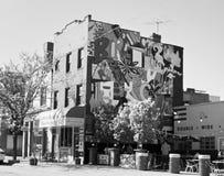 Konstväggmålning på byggnad i Pittsburgh Royaltyfria Foton