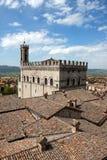 Konsul-Palast in der historischen Mitte von Gubbio lizenzfreie stockfotografie