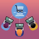 Konsumpcyjni zakupów produkty od online zakupy z laptopem, handlu elektronicznego pojęcie, odgórny widok Obrazy Royalty Free
