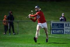 Konsumstormarknader Munster som slungar matchen för liga 2019 mellan kork och Waterford på sportkomplexet för malva GAA royaltyfria bilder
