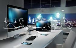 Kontakta oss tolkningen 3D för begreppet i regeringsställning Royaltyfri Fotografi