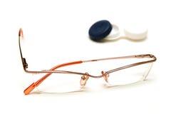 Kontaktlinsen oder Gläser Lizenzfreies Stockbild