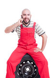Kontaktowa osoba, samochodu poparcie i pomoc pojęcie lub obrazy stock