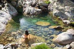 kontaktuje się pierwszy zieloną rzekę Zdjęcia Stock