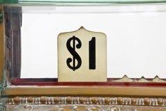 kontant tappning för tecken för detaljdollarregister Royaltyfria Foton