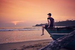 Kontemplacja podczas pięknego wschód słońca obrazy royalty free