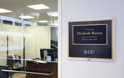 Kontor av Förenta staternasenatorn Elizabeth Warren Arkivfoton