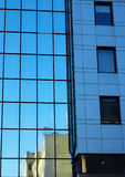 kontor för byggnadselementexponeringsglas Arkivbilder