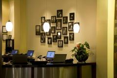 Kontor för främre skrivbord Royaltyfri Foto