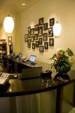 Kontor för främre skrivbord Arkivfoton