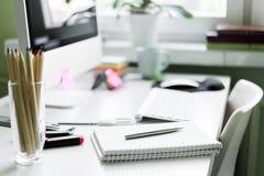 kontor för redovisningsaffärsidéskrivbord Royaltyfri Fotografi
