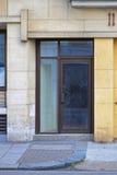 kontor för dörringångsexponeringsglas Fotografering för Bildbyråer