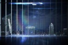 Kontor som förbiser staden på natten royaltyfri illustrationer