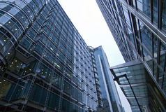 Kontoret parkerar byggnader Royaltyfri Foto