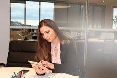 Kontorsaffärskvinna Fotografering för Bildbyråer