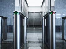 Kontorsbyggnad för system för säkerhet för tillträde för ingångsportkort Arkivfoton