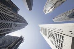 Kontorsbyggnadar i Singapore det finansiella området Royaltyfri Fotografi
