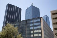 Kontorsbyggnader i i stadens centrum Dallas Arkivbilder