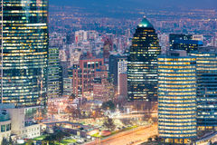 Kontorsbyggnader i Santiago Arkivbilder