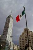 Kontorsbyggnader på Mexico - stad fotografering för bildbyråer