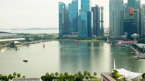 Kontorsbyggnader på tombolaställe i Singapore lager videofilmer